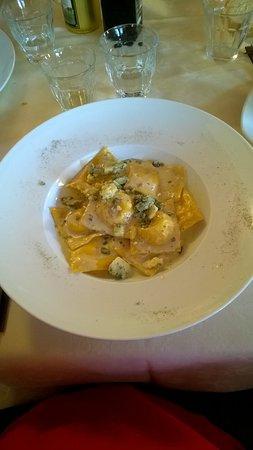 Oulx, Italy: Ravioli al blu del Moncenisio
