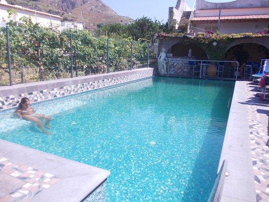 Casa giuseppina bewertungen fotos preisvergleich for Hotel ad asiago con piscina