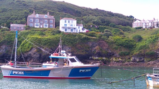 Port Isaac, UK: Fishing boats in the harbour