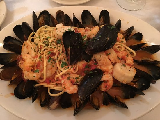 Laurel, MD: Linguine Frutti di mare without squid or clams. Yummy.