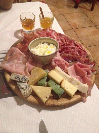 Albisola Superiore, Itália: Mini tagliere salumi e formaggi