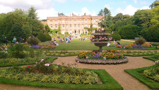 High Wycombe, UK: Lovely Hughenden Manor and Gardens