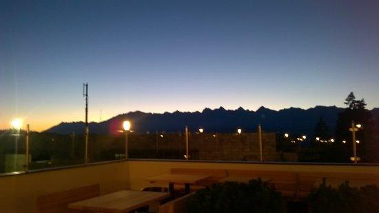tramonto dalla terrazza del bar! - Bild von Josef Mountain Resort ...