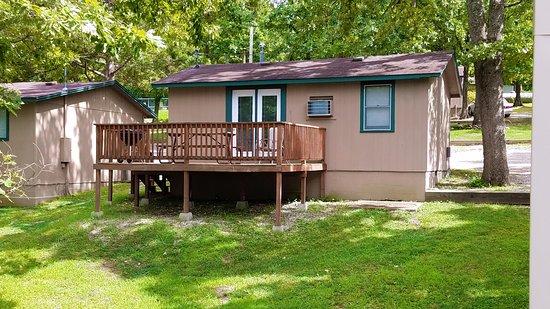 Reeds Spring, MO: Cottage Deck (Lakeside)