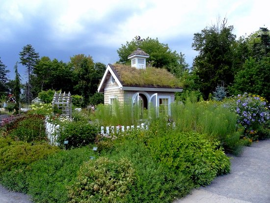 Coastal Maine Botanical Gardens: The have children's gardens and sheds with green roofs.