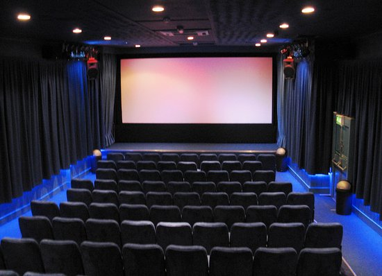Wotton-under-Edge, UK: Another view of the auditorium
