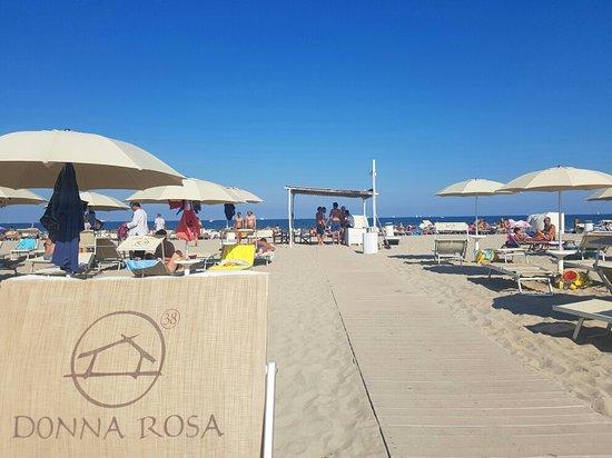 Marina di Ravenna, Itália: Bagno Donna Rosa 38