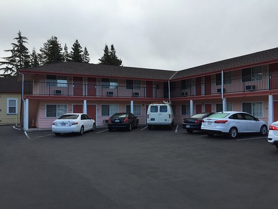 National 9 Motel: photo1.jpg