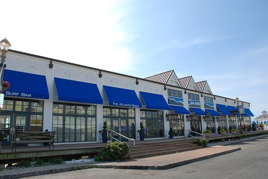 McLoone's Pier House: Front Entrance