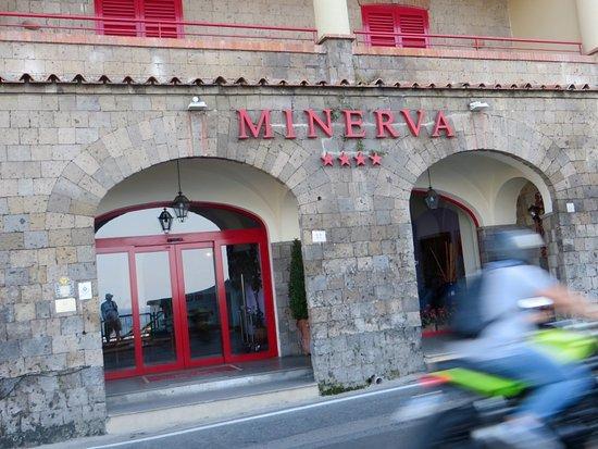 Minerva Hotel Photo