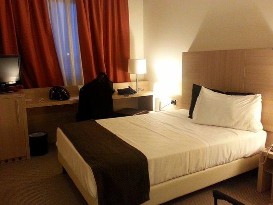 camera da letto matrimoniale standard - Picture of Hotel San Luigi ...