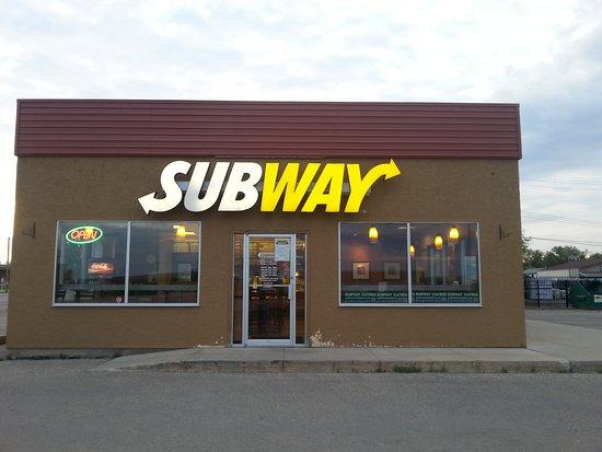 Beaverlodge, Canada: Building exterior