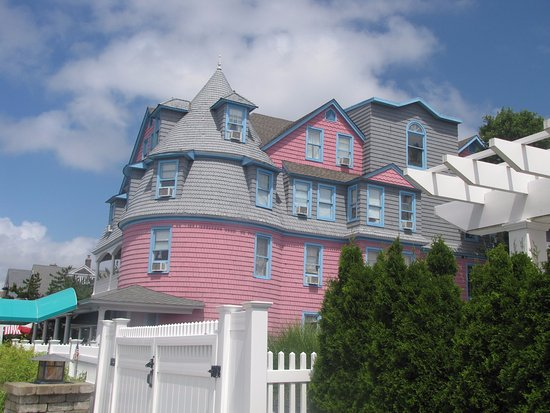 Bay Head, NJ: Room #301 grey area with small pink triangle.....