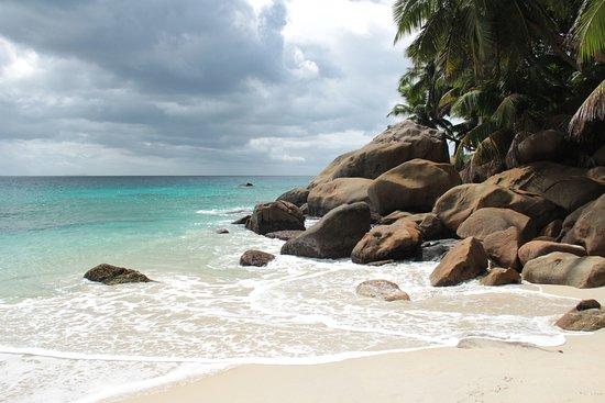 Victoria, Seychellen: Beach on the Mahe island