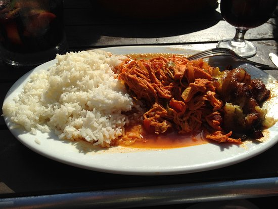 Montclair, Nueva Jersey: Shredded chicken, rice plus more...