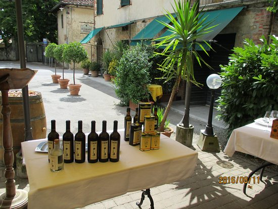 Bottega Di Lornano: from the Terrace towards the Bottega