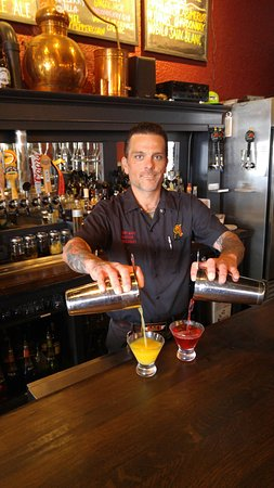 Anacortes, Etat de Washington : Innovative craft cocktails using house made liquors