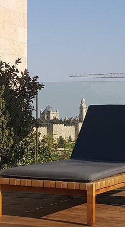 Mamilla Hotel: le toit terrasse,ne manque que la piscine ou le jaccuzzi