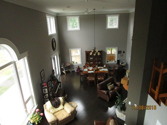 Deer Lake, Canadá: Living--Dining Room
