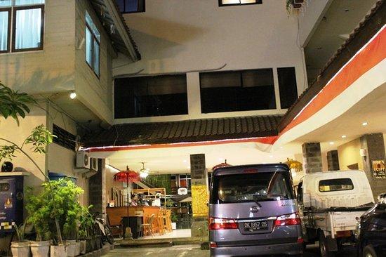 Hotel Karthi Photo