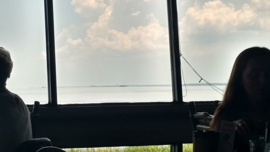 Felix's Fish Camp Grill: view of the bay