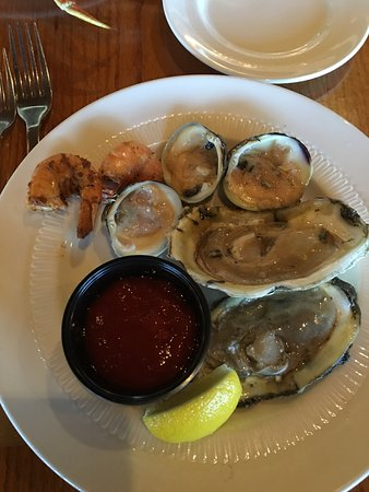 Horizons Oceanfront Restaurant - Clarion Resort: Yum!!!!