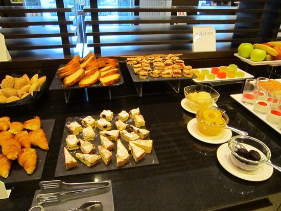 Kuchen Und Obst Picture Of Nh Collection Milano Porta Nuova Milan