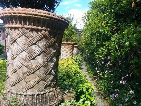 Bantry House & Garden: the orante paterns and sheer size of the urn/vases are lovely to behold.