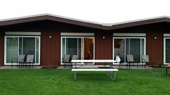 Nader's Motel & Suites: 20160827_201455_large.jpg