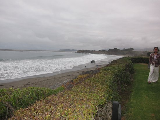 BEST WESTERN PLUS Cavalier Oceanfront Resort: Lovely beach right in front of hotel