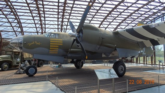 Avion l 39 int rieur picture of utah beach d day museum for Interieur d avion