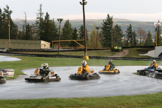 Karting orford magog all you need to know before you for Go kart interieur quebec