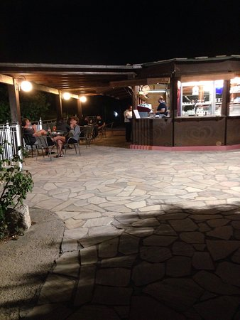 Le terrazze un piano bar all\'aperto - Picture of Hotel Ristorante ...