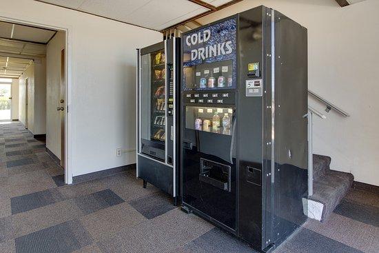 Geneva, OH: Vending