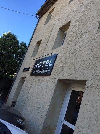 hotel les petits oreillers saint martin d 39 ardeche frankrig hotel anmeldelser. Black Bedroom Furniture Sets. Home Design Ideas