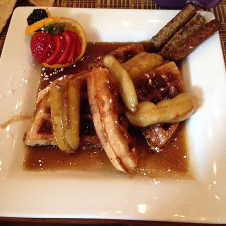 Ashton's Bed and Breakfast: The vegan version of Bananas Foster waffles