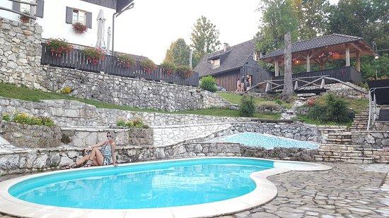 Grabovac, Croatie : 20160712_201646_large.jpg