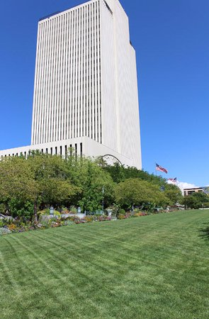 Temple Square: Office building on a nice day