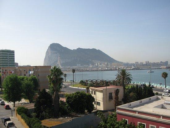 La Linea de la Concepcion, สเปน: Gibraltar including neighbouring houses from room 428