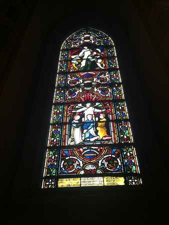Christ Church Cathedral: Beautiful stained glass