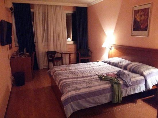 Hotel Rex: 20160827_212839_large.jpg