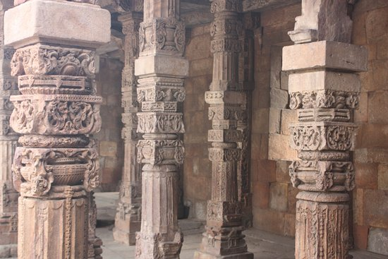 Qutub Minar: Columns of ancient temple