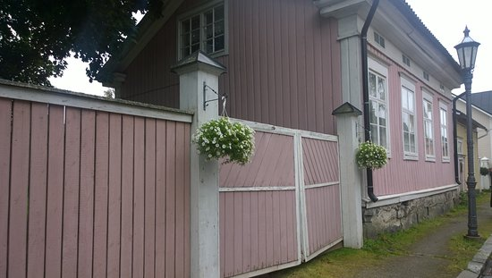 Kokkola, Finlandia: Quaint houses..
