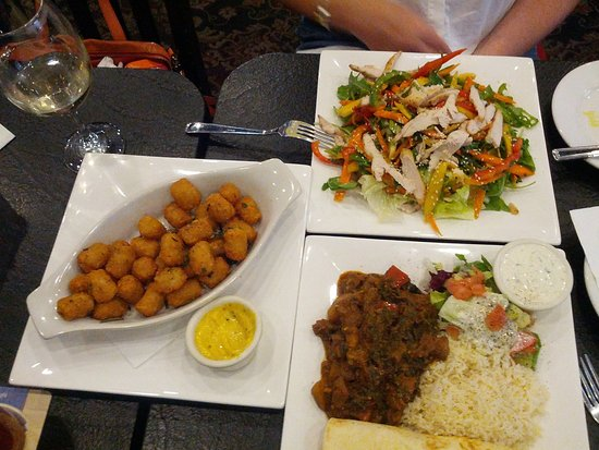 Cambridge, Kanada: TheTayter-Tots fried in duck fat and chefs curries are addictive.