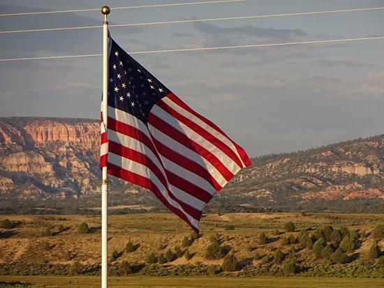 Hatch, UT: Aussicht von der Veranda zu den Bergen des Bryce Canyons