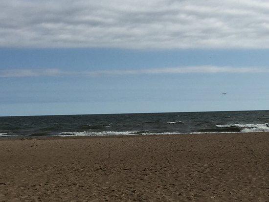 Huron, OH: Lake Erie waves