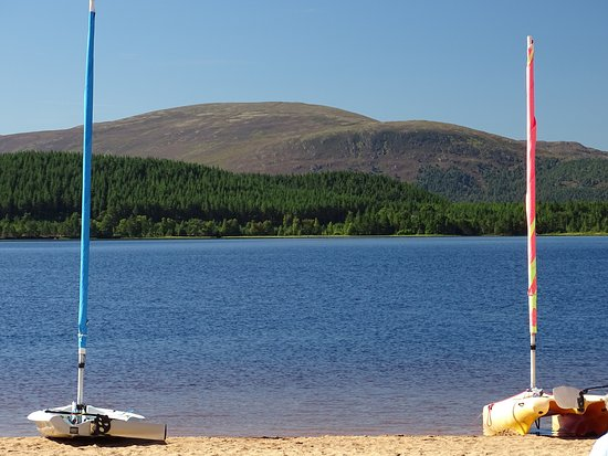 Aviemore, UK: Sailing at Loch Morlich