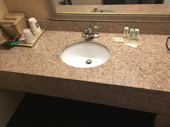 Quality Inn Northwest The Bathroom Sink Counter And Mirror Were Quite Nice And The Best