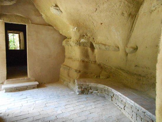 Cupramontana, Włochy: Le cellette scavate nella roccia