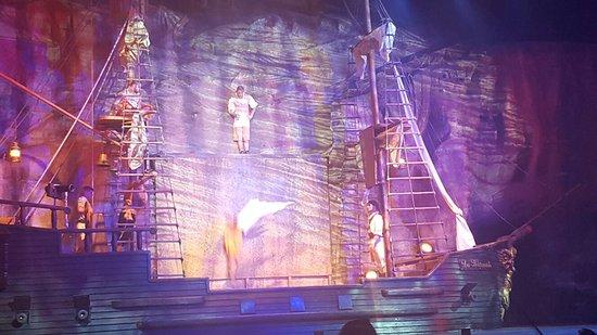 Pirates Adventure Show: 20160826_203707_large.jpg